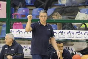 Kaos, polveri bagnate. L'ex Bertoni è decisivo, gara-1 va alla Luparense. Giovedì la rivincita in Veneto